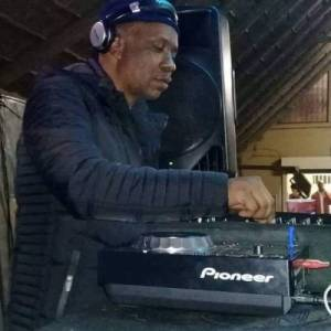 DJ Malebza – Festive Piano Mix (November 2019)