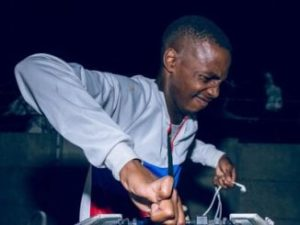 Dj Toolz – If Gqom Were Hunans ft. Mr Thela