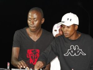 Team Percussion – Uyindoda Enjani ft. Pontsa & Nikita