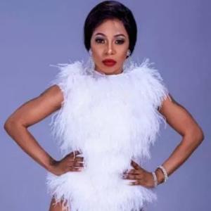 Kelly Khumalo – Qinisela