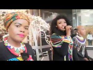 Nelisiwe Sibiya - Asim'bonanga uMandela Thina