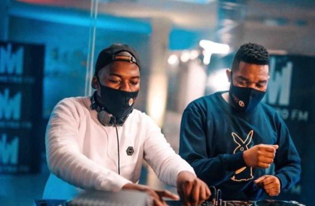 De Mthuda & Ntokzin – Sonke Siyo Popa Ft. MalumNator
