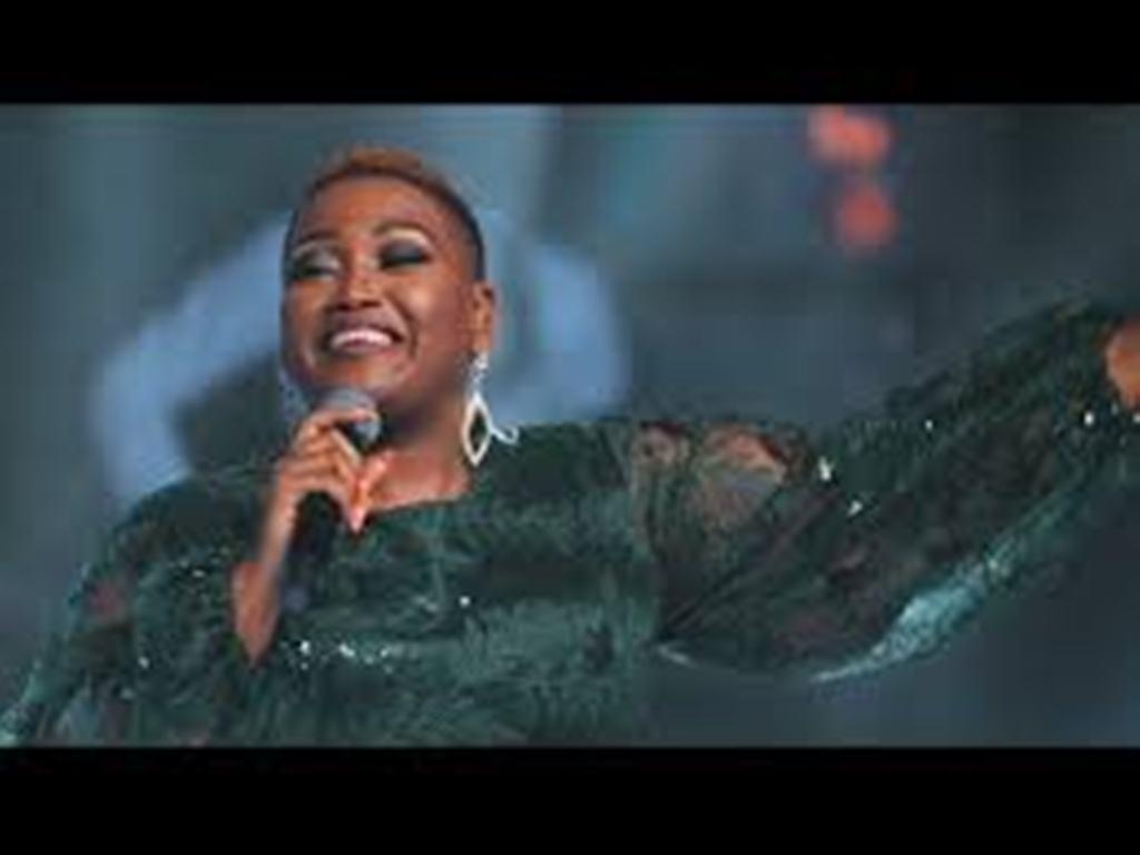 VIDEO: Ntokozo Mbambo – Yi naye