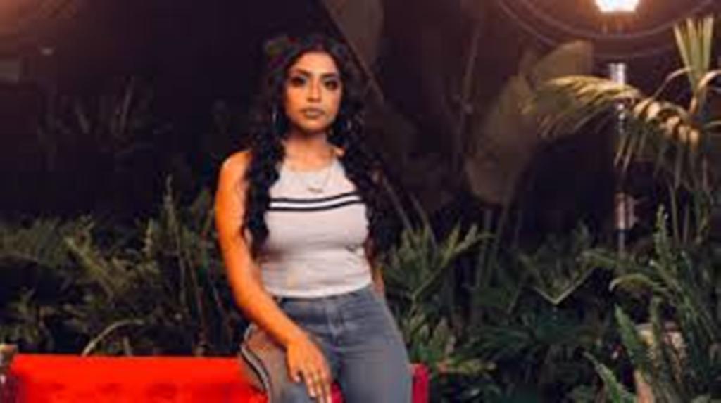 VIDEO: Yashna – Gimme Luv